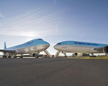 Korean Airlines KAL Dual Delivery 747-8I & 777-300ER K65568-01